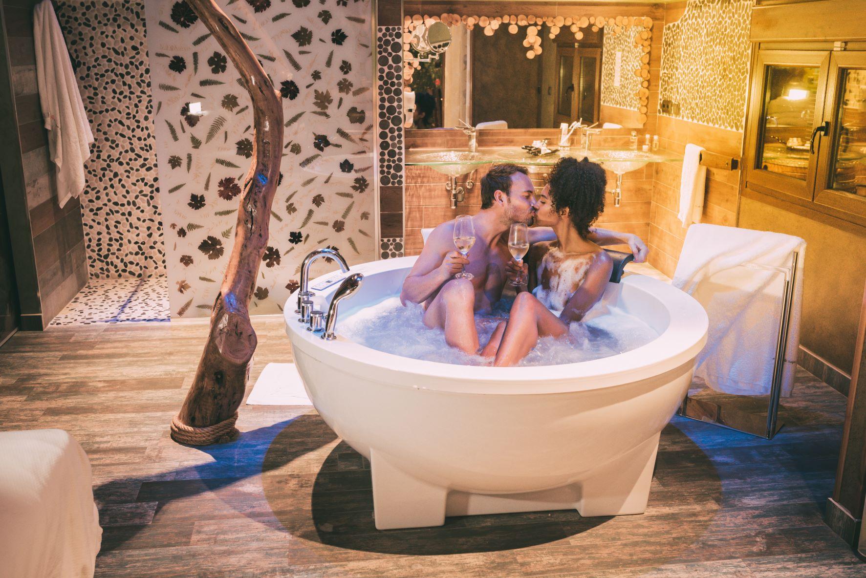 Romantica, elegante: suite con jacuzzi roma