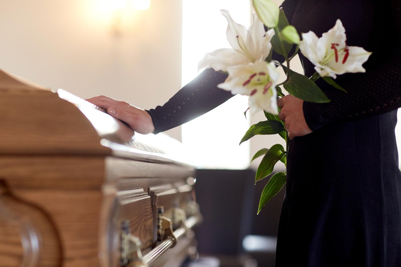 Servizio di consegna fiori funebri: a chi rivolgersi?